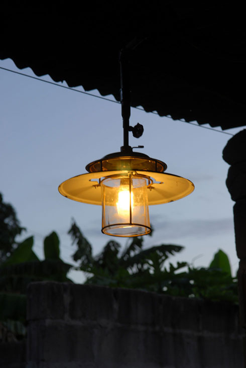 Supergas powered lamp